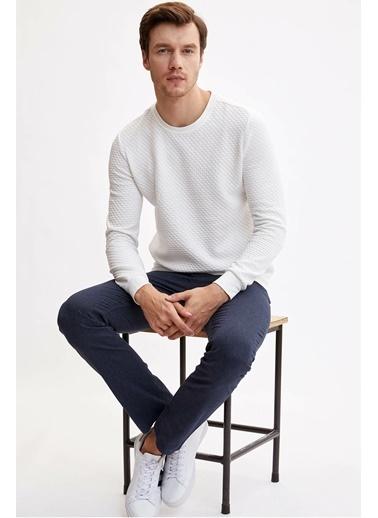 DeFacto Uzun Kollu Slim Fit Sweatshirt Beyaz